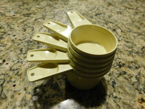 Tupperware Set of 5 Gold / Yellow Nesting Measuring Cups