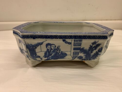 Large Antique Chinese Blue and White Footed Octagonal Planter, 19th century