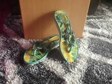 Turquoise Strappy Thongs Size L Lakes Entrance East Gippsland Preview