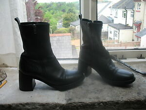 Ann Demeulemeester iconic black boots/39