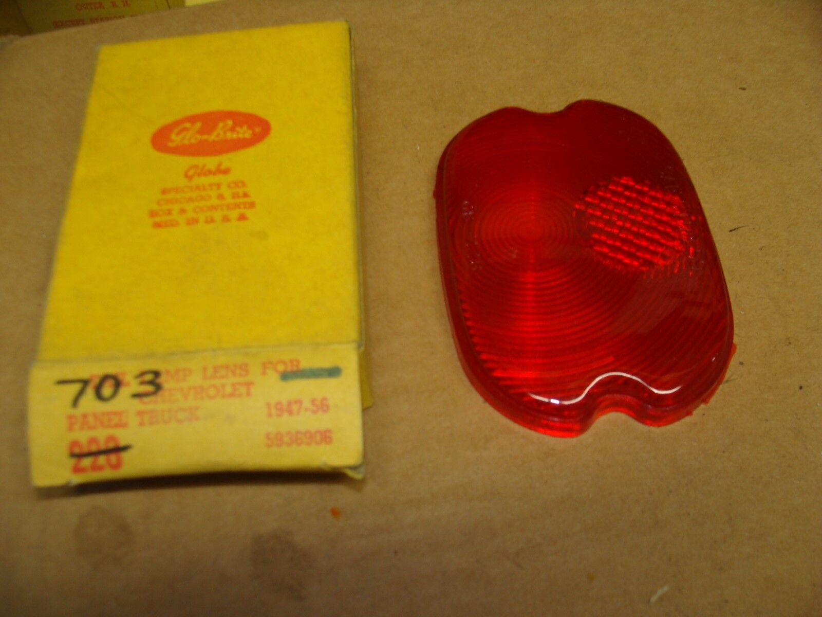 1947-1956 Chevy NORS panel truck tail light lens  703  Q-3