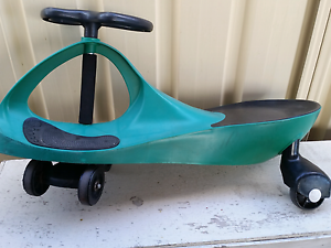 Ride on swing car toy - green & blue Westmead Parramatta Area Preview