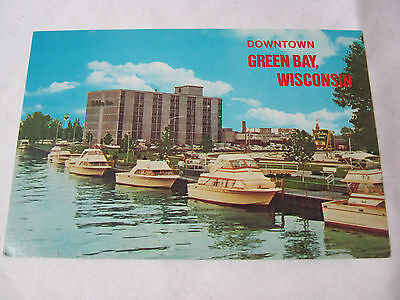 DOWNTOWN GREEN BAY WI WITH BOATS HOLIDAY INN VINTAGE POSTCARD TRAVEL   T*