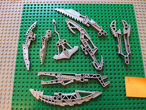 Lego-Bionicle-Technic-Mixed-Lot-Of-Weapons-Blades-Parts-d2sxtg6