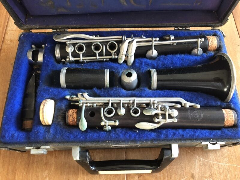 LEBLANC NOBLET NORMANDY WOOD CLARINET MADE IN FRANCE