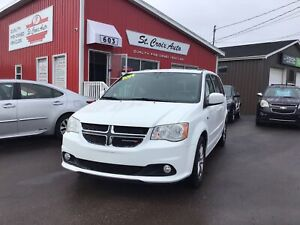 2014 Dodge Grand Caravan 30th Anniversary, Leather, Stow&Go