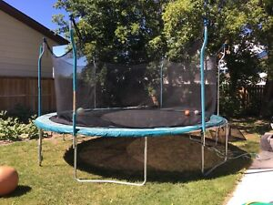 15ft trampoline with safety net