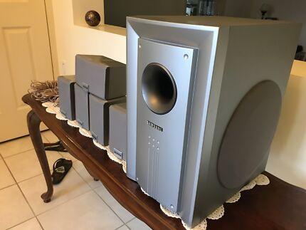 Samsung surround sound satellite Speakers with Subwoofer