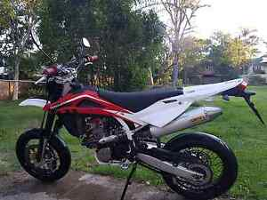 2008 Husqvarna SMR 449. 450 Super Motard Wavell Heights Brisbane North East Preview