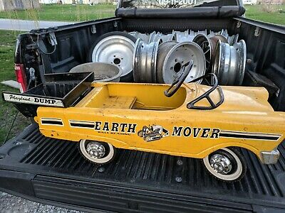4 Vintage Pedal Car Hub Caps Elgin Colson Murray Huffy Amf nos