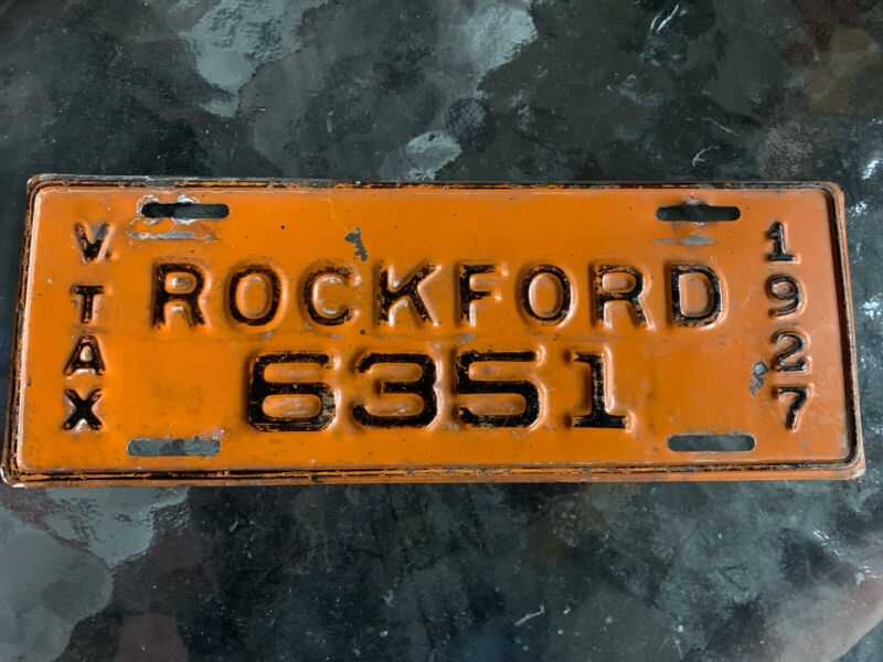 1934 Rockford Illinois V Tax 35 MPH or Less License Plate