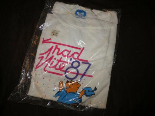 VINTAGE 1987 DISNEYLAND Grad Nite Shirt NEW SEALED WINNIE THE POOH ADULT SMALL