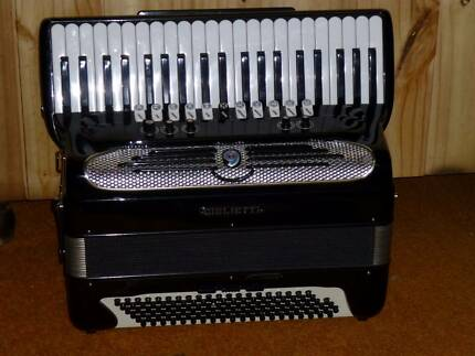 GIULIETTI  FREE BASS ACCORDION Engadine Sutherland Area Preview