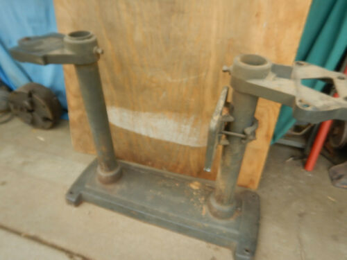 """VITNAGE CRAFTSMAN 6"""" WOOD JOINTER CAST AND PIPE BASE ASSEMBLY"""