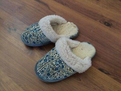 Bearpaw Kids Slippers (Bearpaw Suede Leather Sheepskin Slippers Girl's Sz US 3 EU)