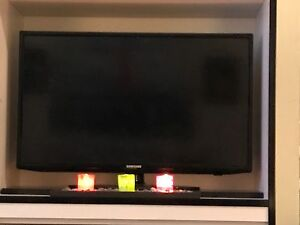 Samsung smart led 23 inch flat screen / with remote
