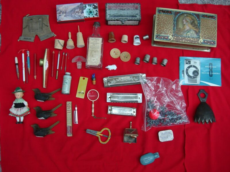 VINTAGE / ANTIQUE ESTATE BOX BOX OF COOL STUFF!! **YOU GOTTA SEE THIS**