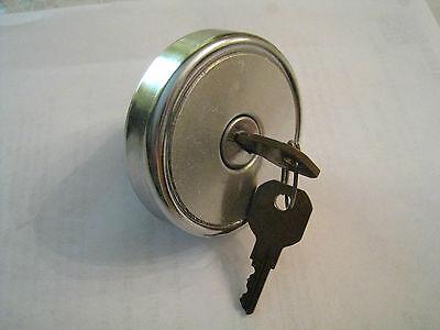 Vintage locking gas cap w/ keys