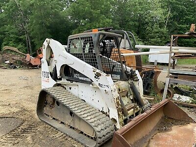 Bobcat T300 Track Skid Steer Loader Tractor....excellent Shape.