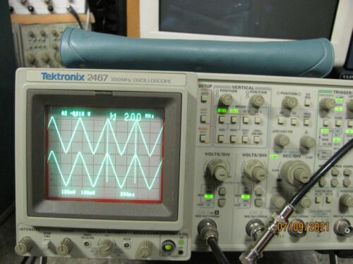 Tektronix 2467  350MHz4 Channel Oscilloscope in Excelent Condition