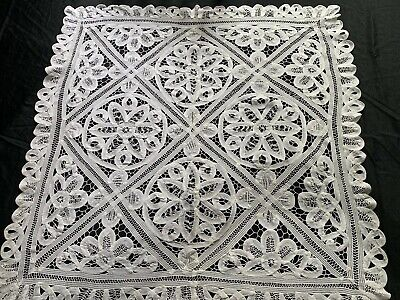 VINTAGE LINEN LACE TABLE CLOTH  32 X 32 Inch