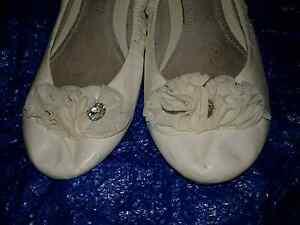 Women ballet type slip on sz11 Calista Kwinana Area Preview