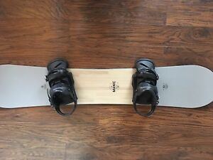 2015 Ride Manic Snow Board with Burton Mission Bindings