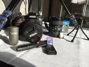 Camera Nikon D7200 with multiple accessories almost like new