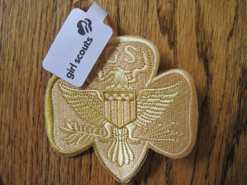 NEW Girl Scout Tradtional Trefoil 3D ORNAMENT Embroidered. Lovely GIFT NWT