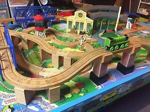 Official Thomas Train Table and Trainset