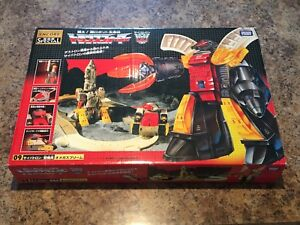 Transformer Omage Supreme G1