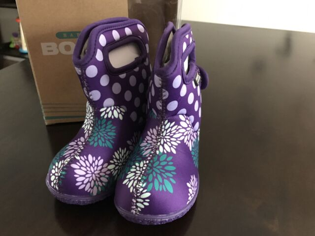 Brand New BOGS Toddler size 5
