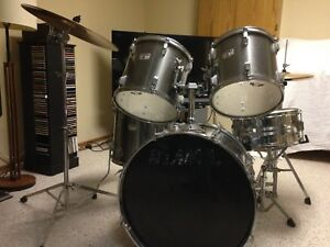 Complete TAMA Swingstar Drum Set with Cymbals