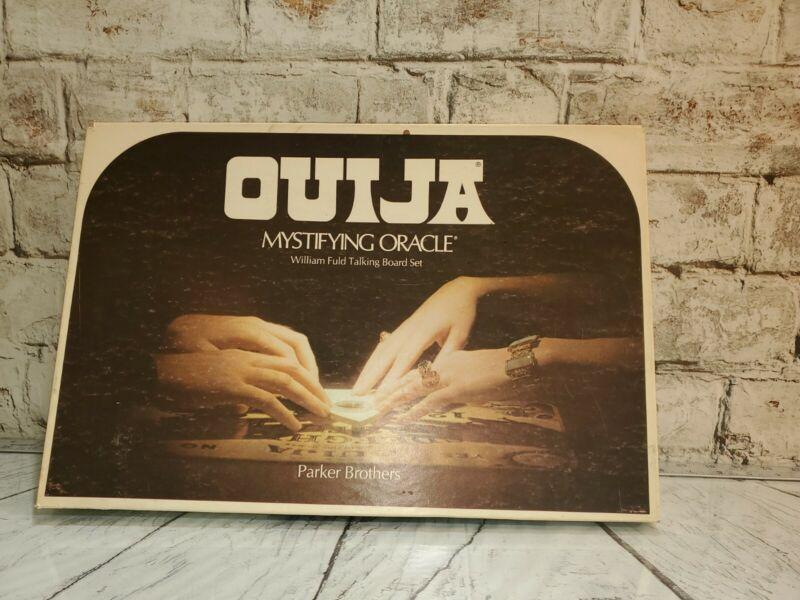 Vintage 1972 OUIJA Board Mystifying Oracle Game . Parker Brothers / William Fuld