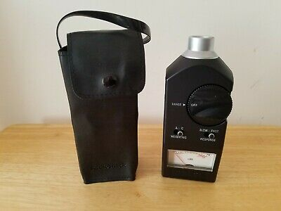Radio Shack Analog Sound Level Meter 33-2050 With Case - Good Condition Working
