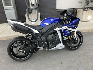 2013 Yamaha R1 mint condition