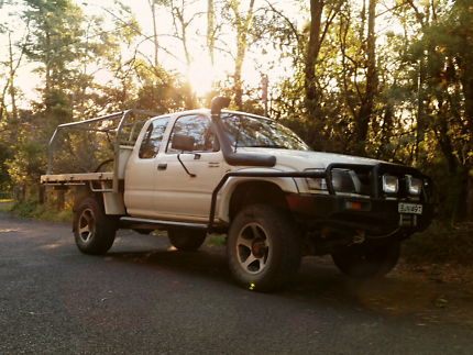 2003 Toyota Hilux Xtra cab - Fully kitted-out 4x4.