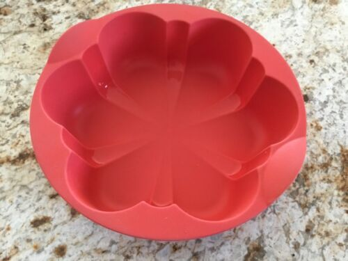 Tupperware Flower Magic Baking Form Silicone Pan Mold RARE HTF