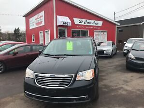 2014 Chrysler Town & Country Touring Dual DVD  Sunroof