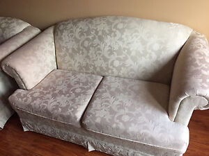 WHITE SOFA EXCELLENT CONDITION