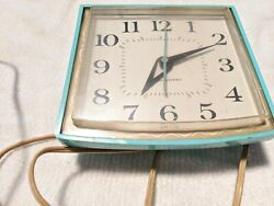 VINTAGE MID CENTURY WALL CLOCK TURQUOISE AQUA GENERAL ELECTRIC RETRO MODEL 2148
