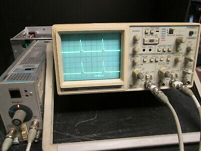 Hitachi V-1560 100 Mhz Oscilloscope With Probes Bright Crt Only 12 Lb 16x12x5