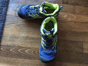 Keen boys Chandler CNX shoes size 3, price reduced.   firm