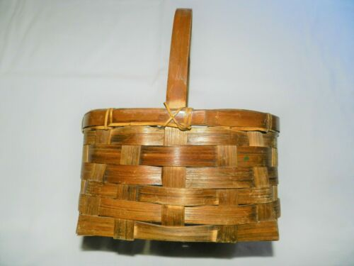 Attractive Wooden Weaved Basket with a Handle