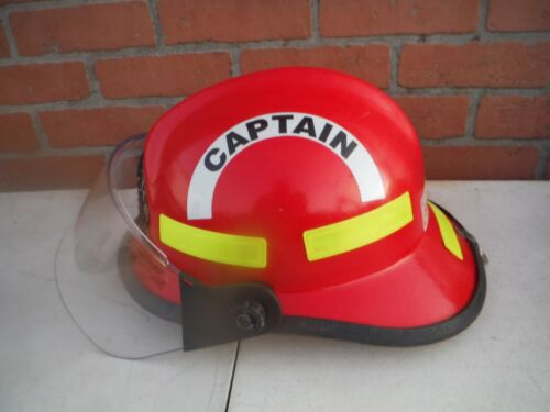Cairns 664 Fire Helmet with visor, neck shield, UK4AA lamp & mount, NFPA 2000.