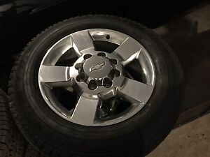 "Silverado/Sierra 2500 or 3500 20"" Wheels less than 1000 km"