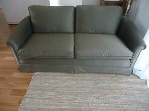 Lovely well built sofa College Park Norwood Area Preview