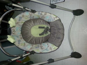 Graco forest friends baby swing