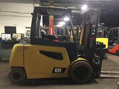 2016 Cat 8000 Lb Solid Pneumatic Forklift Electric Triple Mast Ssfp