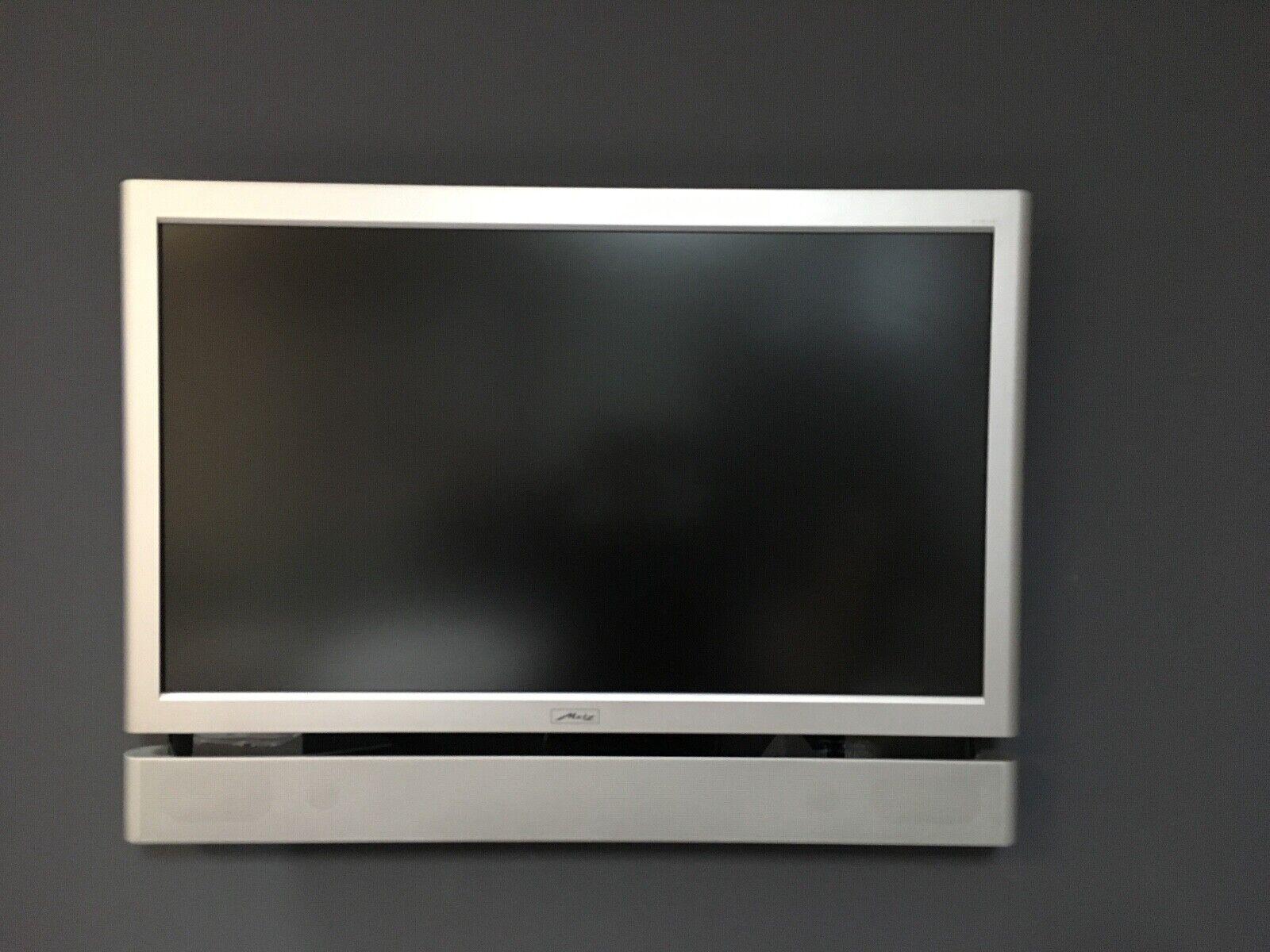 Fernseher METZ Linus 42 Zoll silber ohne Standfuß mit Fernbedienung